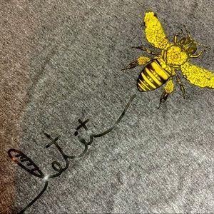 """🔆.  🎉HOST PICK🎉NWOT""""Let it Bee"""" Tee"""